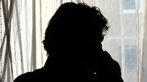 worried-man-phone-silhouette-2-footage-034200969_iconl