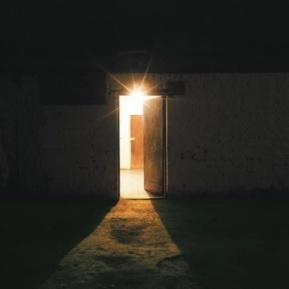 open-doorway-with-light